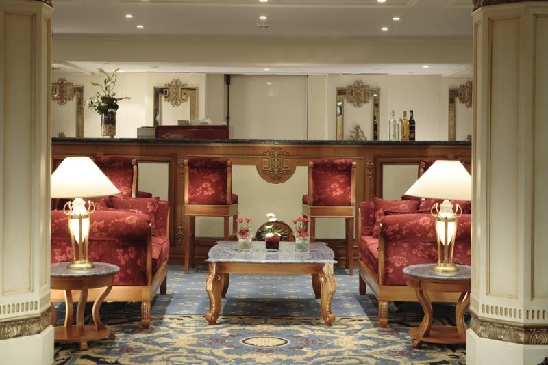 Sonesta St. George Lounge