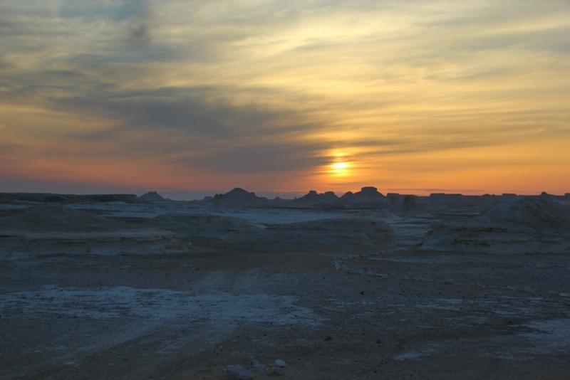 奇妙的日落景象,白沙漠