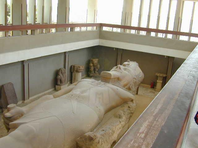Statue de Ramses à Memphis