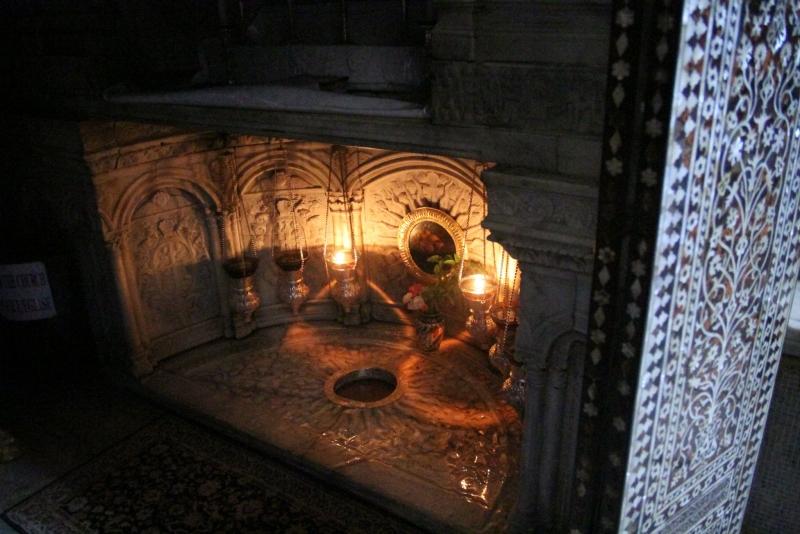 Dentro La Basilica della Natività
