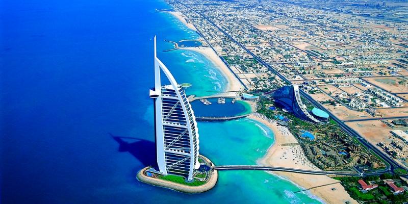 Burj Al Arab por la mañana.