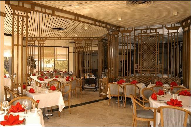Le Passage Hotel Restaurant