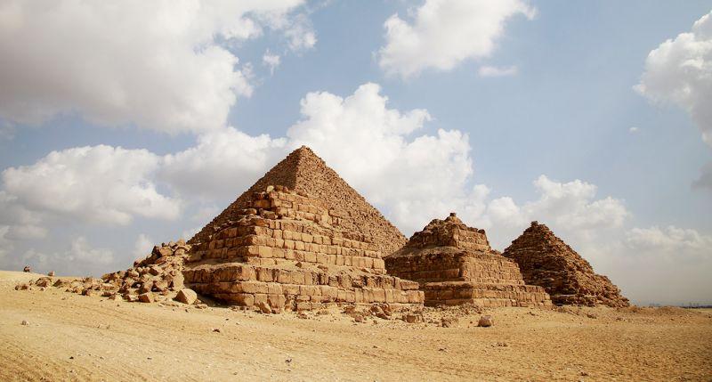La Pirámide de Micerinos o Pirámide de Menkaura