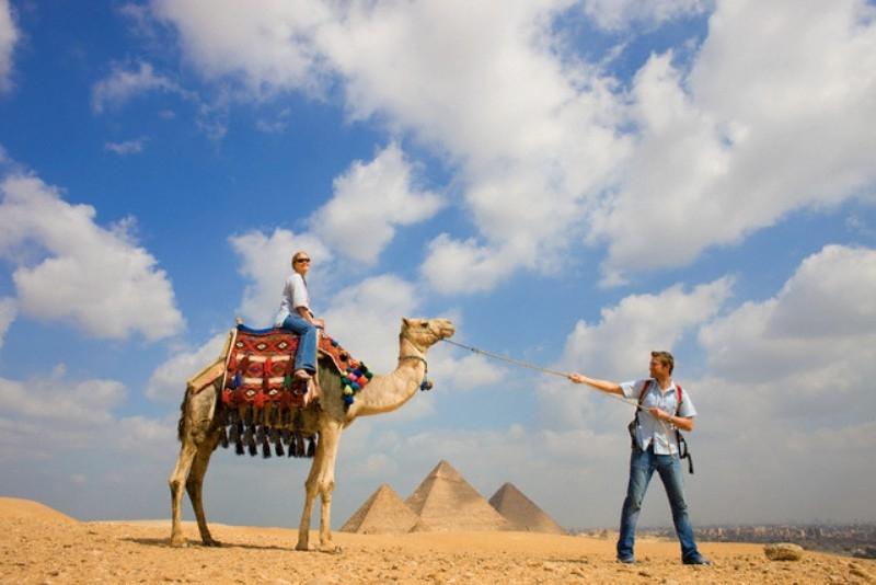 Piramidi Giza e Museo Egizio da Sokhna