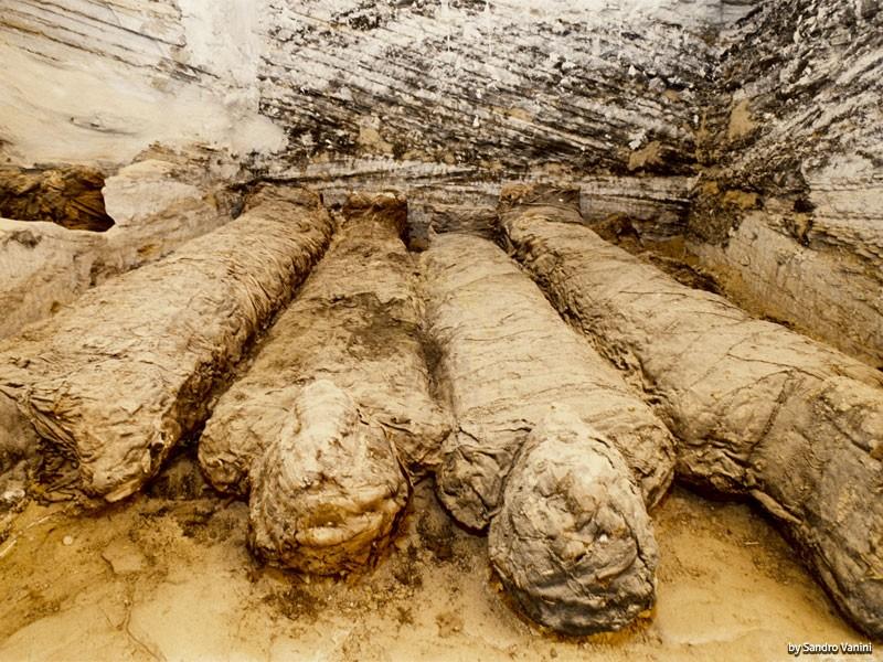 バハレイヤ墳墓