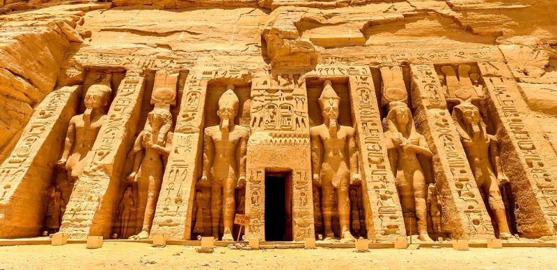 Tempio di Nefertari: La Regina che ha attraversato i tempi