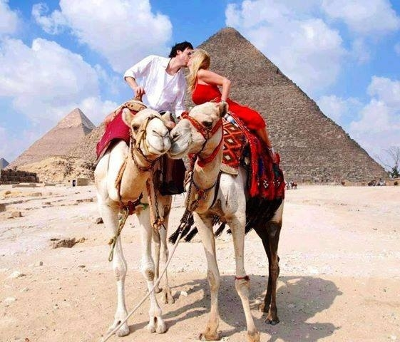 Honeymooners at the Pyramids
