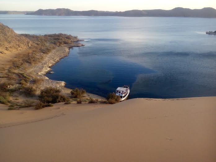 Randonnée Et Pêche Sur Le Lac Nasser