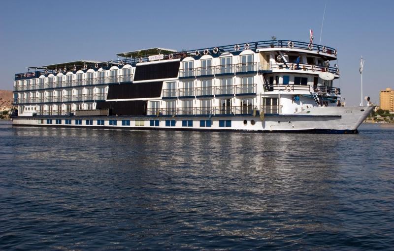 Steigenberger Omar El Khayam Lake Cruise