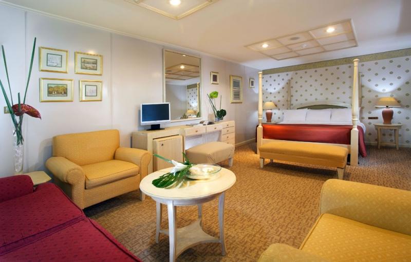 Movenpick Prince Abbas Lake Cruise Cabin