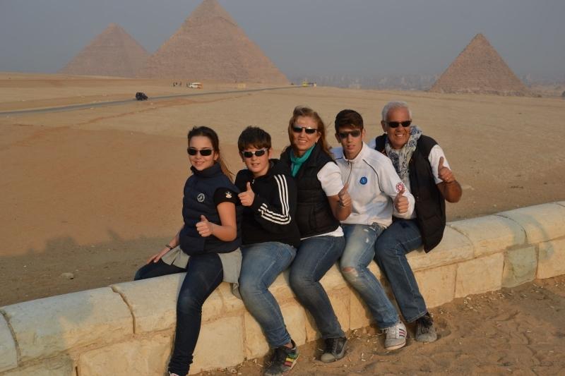吉萨金字塔,家庭之旅