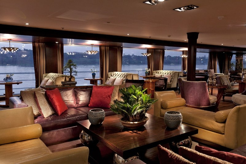 Sanctuary Sun Boat IV Lounge