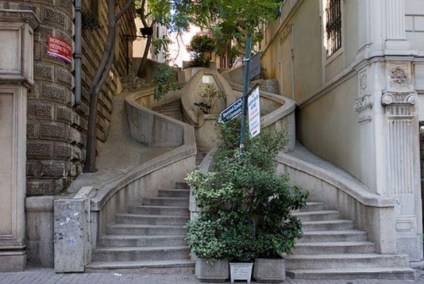 Kamondo Staircase, Istanbul