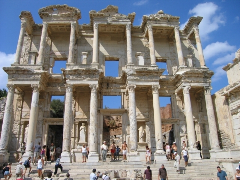 la biblioteca de celsius en Éfeso