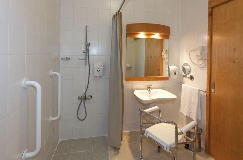Fayrouz Plaza Beach Resort Bathroom
