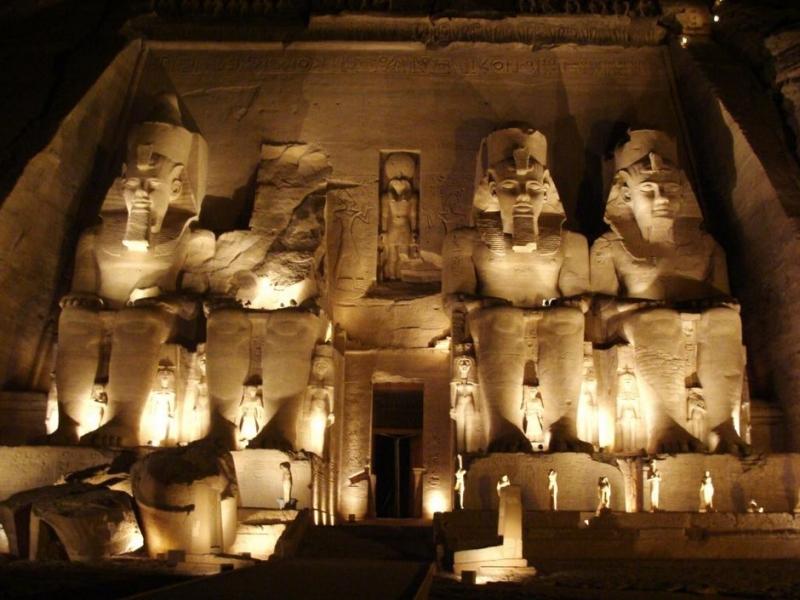 Temples d'Abou Simbel et ses illuminations nocturnes