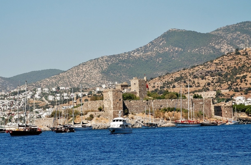 Vista panorámica al castillo de San Pedro