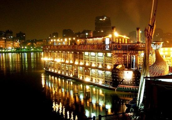 Bootsfahrt auf dem Nil mit Abendessen