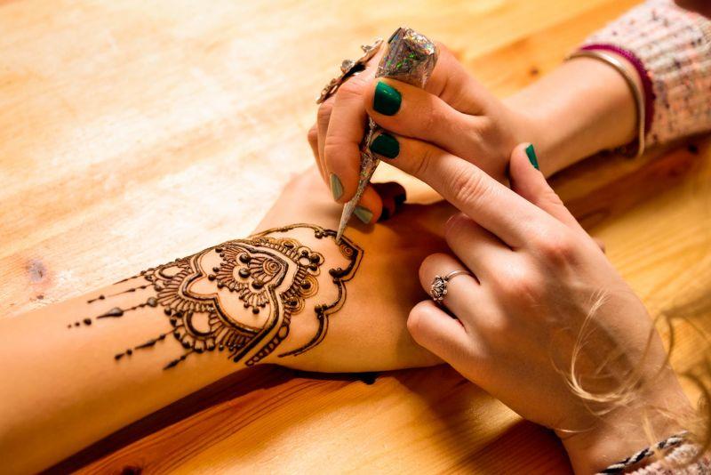 Henna Painting Folklore