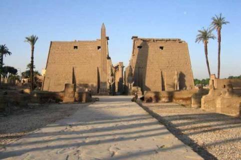 Ausflug von Sharm nach Luxor mit Flugzeug