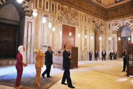 A l'intérieur de la Mosquée du Sultan Hassan