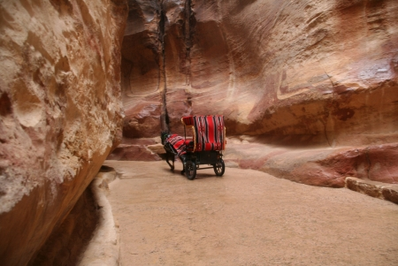 The Siq (way to Petra)