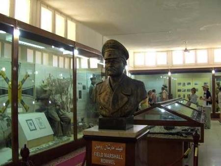 Statue, Musée de la 2ème Guerre Mondiale, El Alamein
