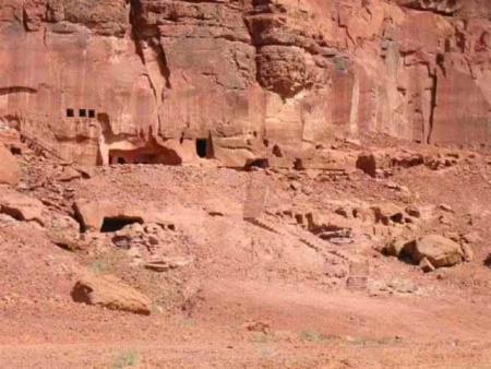 Abu Habban Cave of Oman