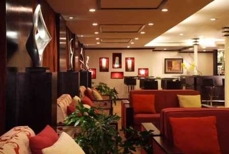 Mövenpick MS Royal Lily Lounge