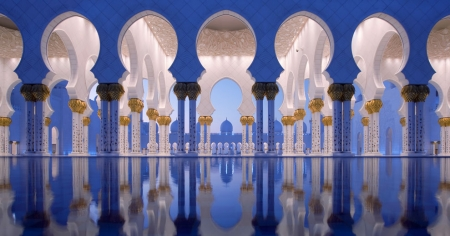 Inside Sheikh Zayed Mosque