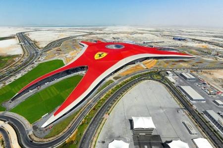 Ferrari World en Yas Island,Abu Dhabi