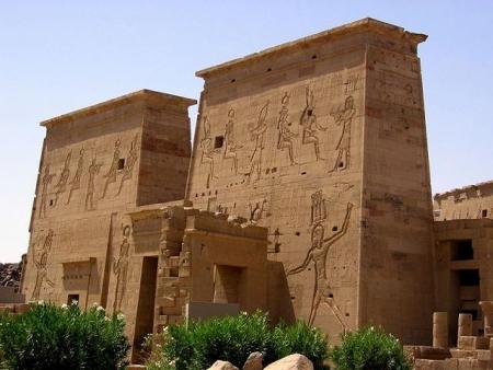 イシス神殿観光、アスワン