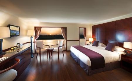 Amwaj Livingstone King Bed Cabin