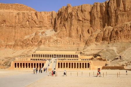 El templo de Hatshepsut.