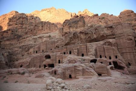 Via delle Facciate, Petra