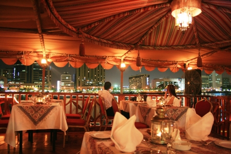 Crociera Dhow Dubai Marina