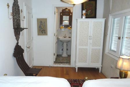 Cabin Oriental Decoration