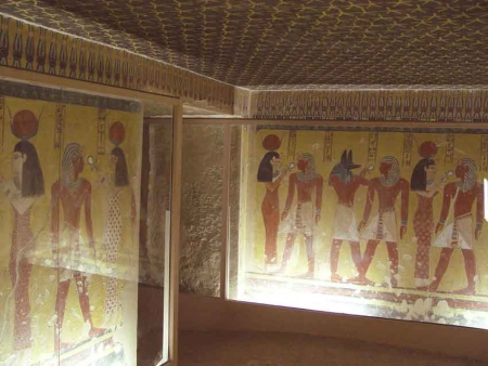 Inside Valley of Kings, Luxor