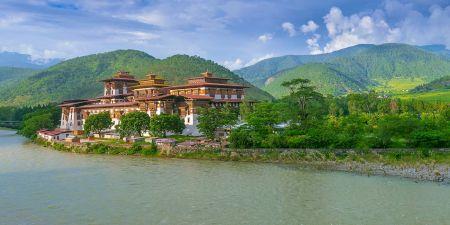 Tours a Bután: Conoce la Belleza de sus Tierras