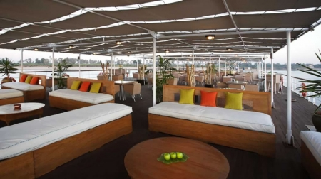 Movenpick Royal Lily Cruise Sundeck