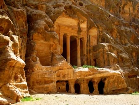 Una de las Tumbas Reales de Petra