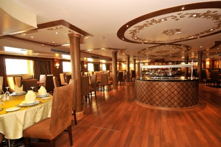 Resturant of Royal Viking Cruise