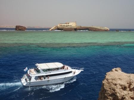 Boat to Tiran Island