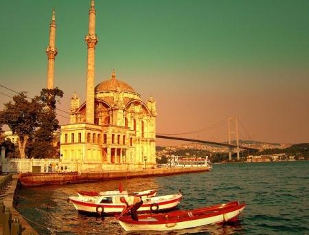 Mezquita de Ortakoy y Puente del Bósforo