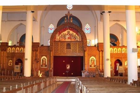 La iglesia colgante por dentro.