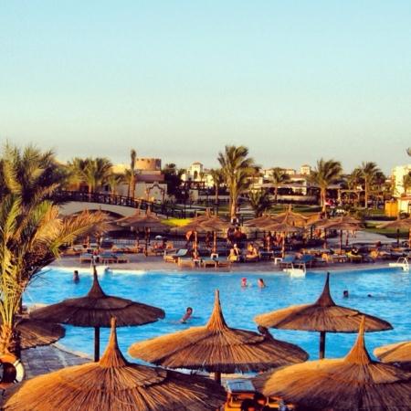 Baden in Hurghada Rollstuhlfahrer