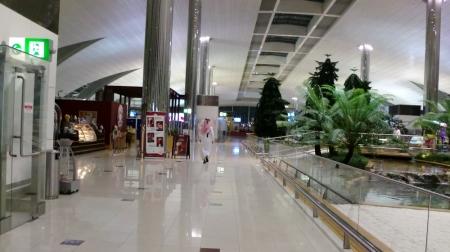 ドバイ国際空港の到着ロビー