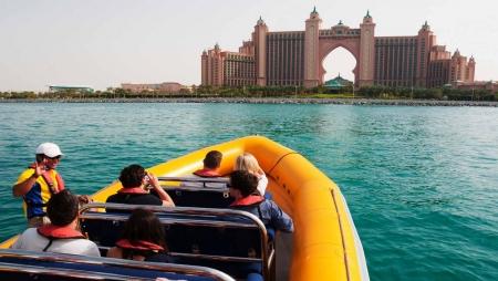 Giro di Dubai in Barca