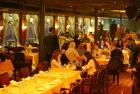 Cena en el crucero por el Nilo
